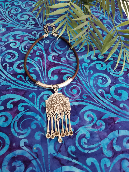 Silver Crown Afrikan Necklace