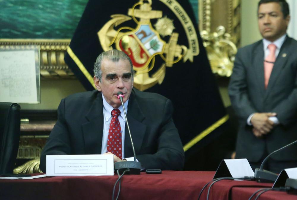 Presidente de la Comisión Permanente del Congreso, Pedro Olaechea.