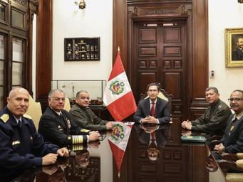 Respaldado por FFAA, Vizcarra se mantendrá en el poder