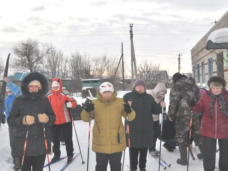 """Реализация стартапа """"Клуб любителей лыжного спорта 55+"""" поставила на лыжи более 50 карасучан"""