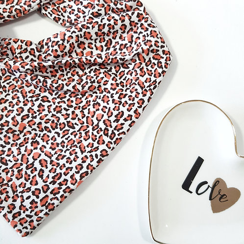 Bandana Animal Print Branco Chocolate e Coral