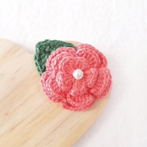 Laço Flor de Crochê Coral