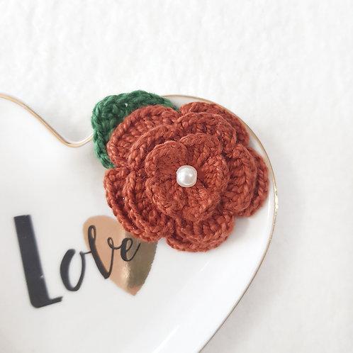 Laço Flor de Crochê Ferrugem