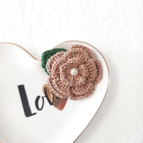 Laço Flor de Crochê Bege