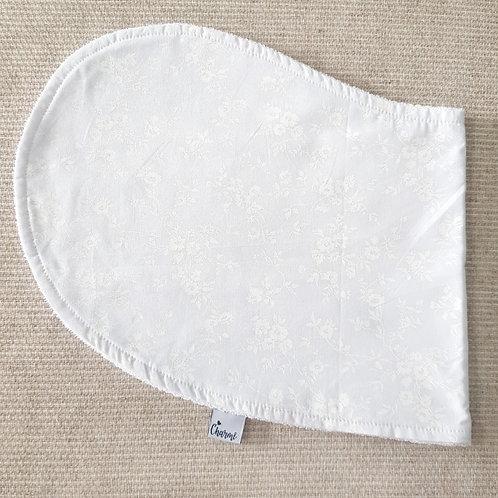 Pano de Ombro Floral Branco