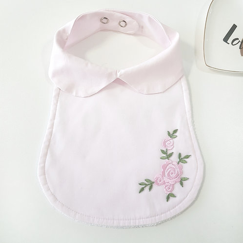 Babador Charlotte Patch Bordado Rosa
