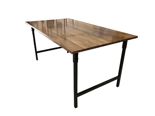 Mesa madera maciza con estructura y patas metal