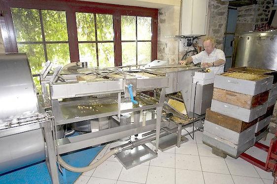 La miellerie de La Maison de L'Abeille dans le Morbihan