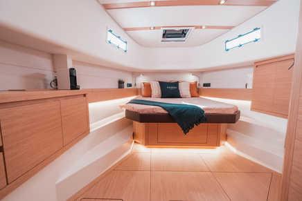 Pardo 43 master cabin