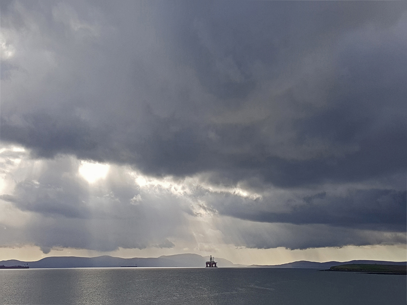 Rig in Scapa Flow