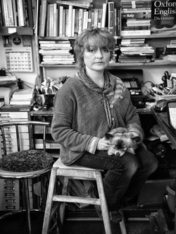 The Bookseller and her Dog