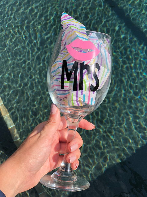 Mrs. - White Wine Glass