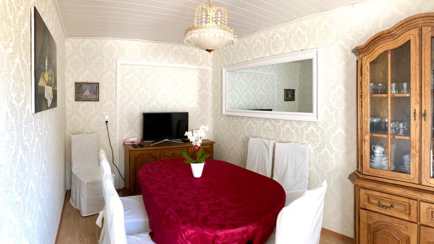 Gemeinschafliches Ess- und Wohnzimmer
