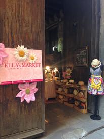 The it Born Market- Palau Dalmases