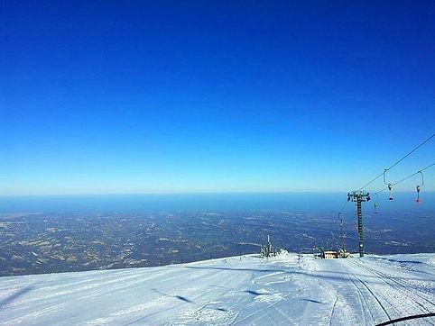 Skieen met zeezicht.jpg
