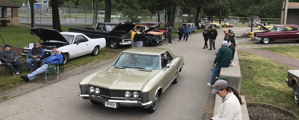 Given the weather conditions, the turnout was certainly respectable as the cars filed in to Johnston War Memorial Park for a holiday.  It was the onlyday of the weekend that DIDN'T rain.
