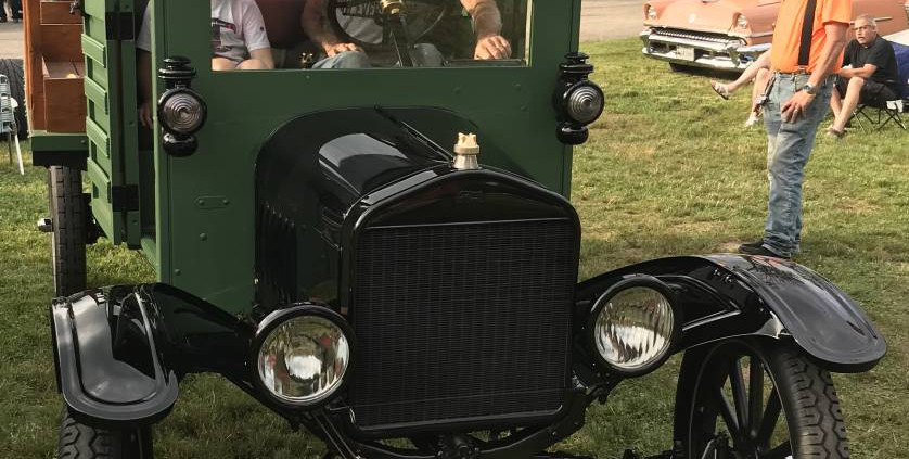 This one quickly drew a crowd of lookers...it's a 1921 Ford TT truck...competely unaltered.