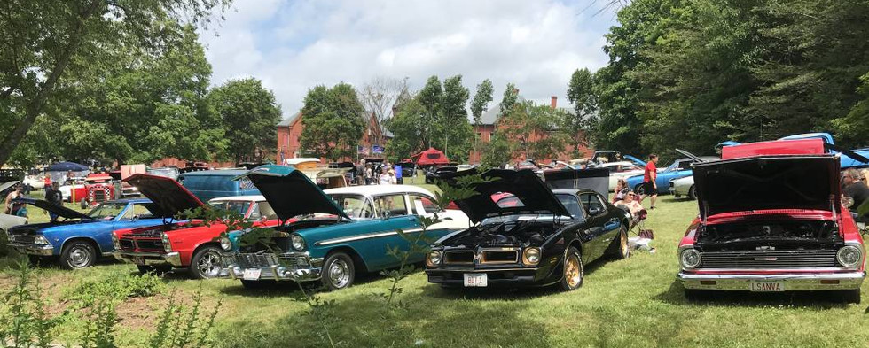 What a great & ecclectic mix of show vehicles it was.  If you didn't make it this year, you've gotta put the Medfield show on your calendar for 2022 !