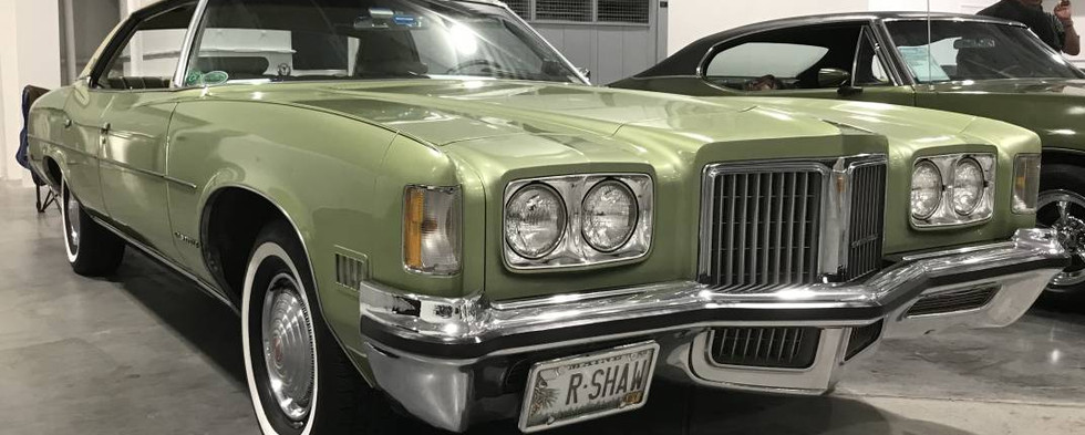 """1971 was the year that Pontiac introduced its new """"Grandville"""" model.  It would stick around only through mid-decade."""