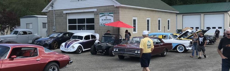 More of the wide range of rides...how about that great '66 Buick...the '56 Chevy behind it...or the little custom VW Beetle ?