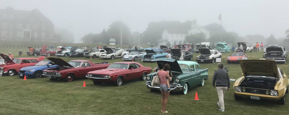 """When the forecast says """"clouds,"""" that almost always means fog in Newport.  It was fairly thick at times...but still, we had a tremendous crowd on such a day !"""