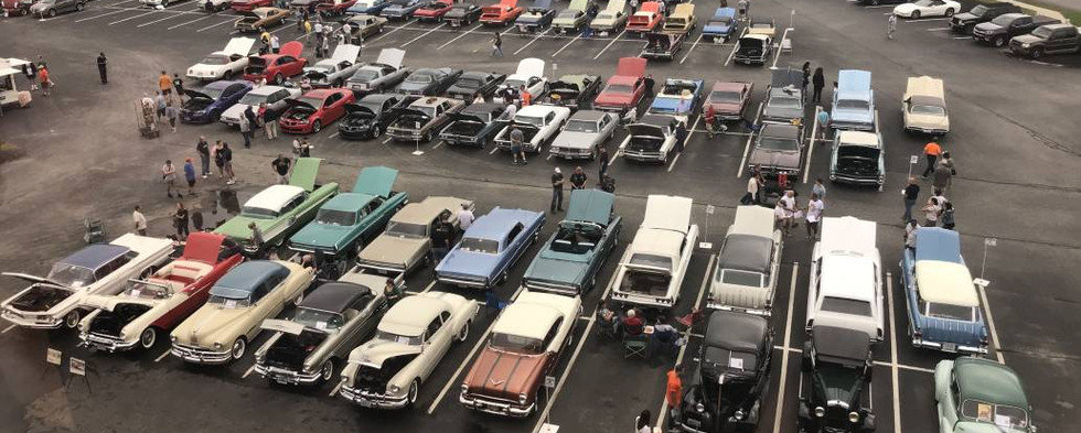 As always...the Pontiac Celebration was a great time..with friends rekindling old friendships..and several hundred cars swelling the parking lot by show-day Saturday afternoon.