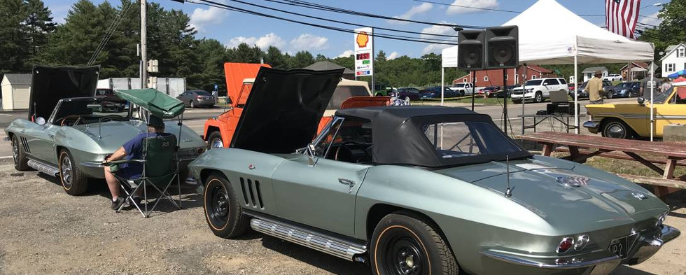 One of the most unexpected treats was this pair of matching '66 Corvettes in Mosport green.  Mike F from nearby Woodstock, CT was awarded with a trophy as the favorite car on display for the day.