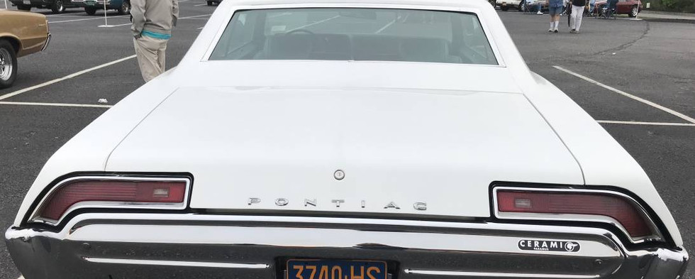 You too can break-away in a Pontiac !  1969's slogan captured the spirit of Ponchos like this big coupe.