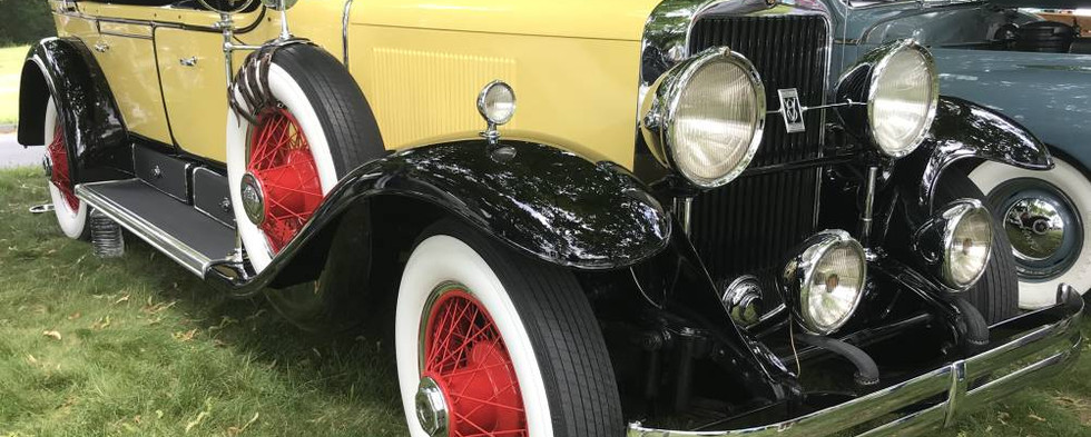 True classic-lovers were treated to a scattering of some great favorites of hundred-year-old-vintage.  For instance, take Dick W's 1929 Cadillac.