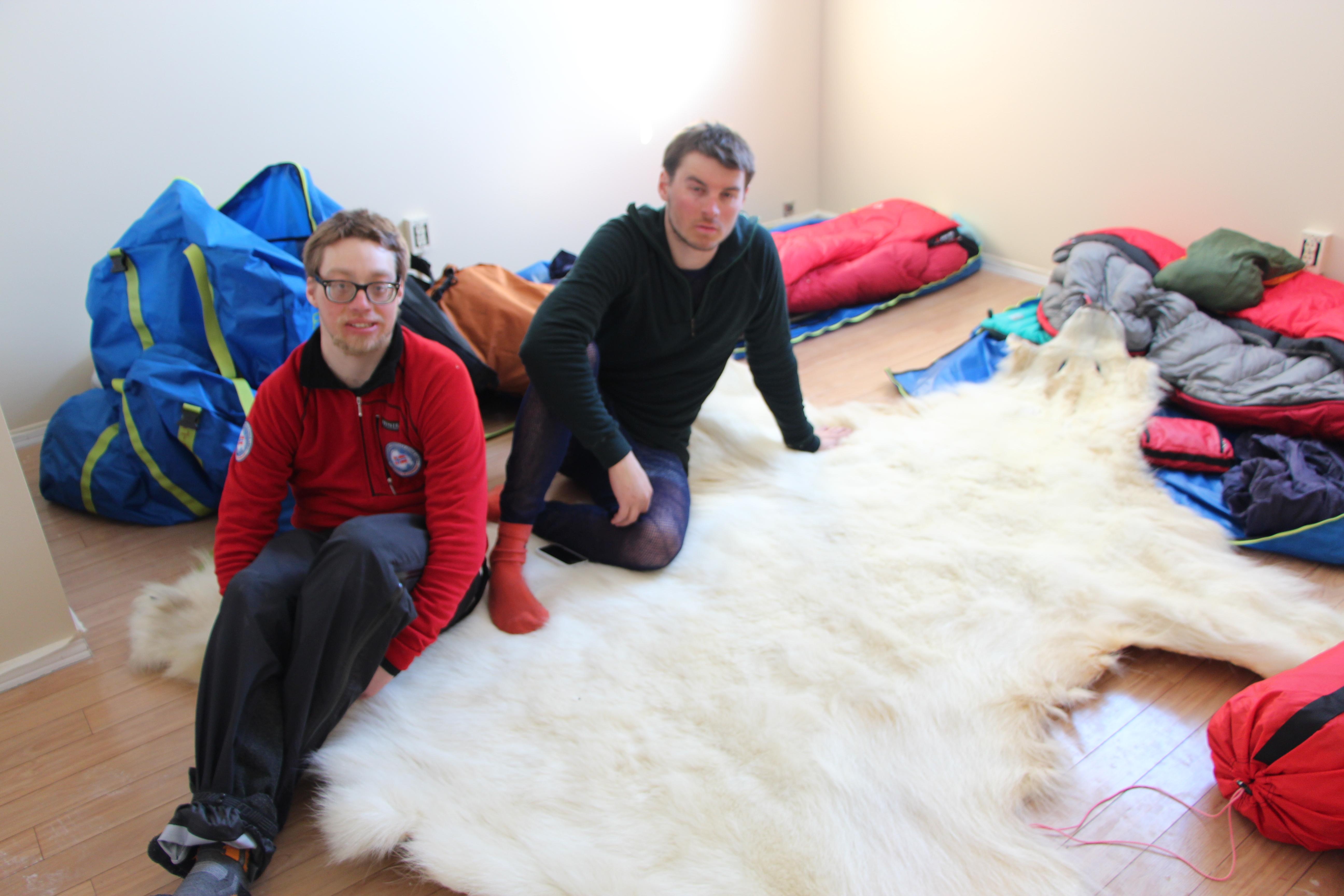 Simen, Lars Martin og Isbjørnen Ivar