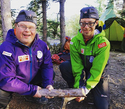 I dag er det to år siden Mads og Simen padlet i mål i gullgraverlandsbyen Carmacks i Yukon