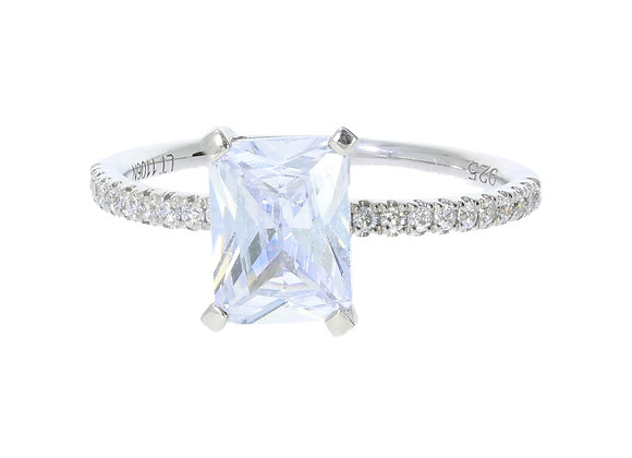 4 Claw Emerald Cut Diamond shoulder Engagement Ring Mount only