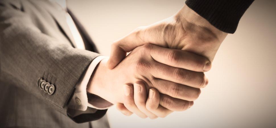handshake-pano_19966_edited