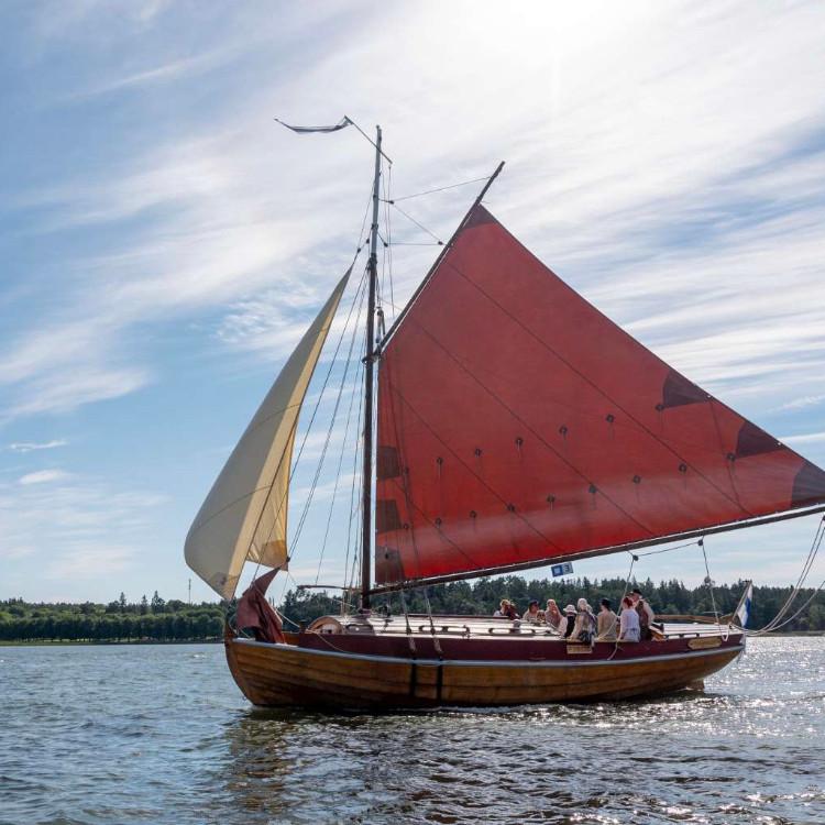 Aaltojen äärellä – jooga & purjehdusviikonloppu Nauvossa KESÄKUU