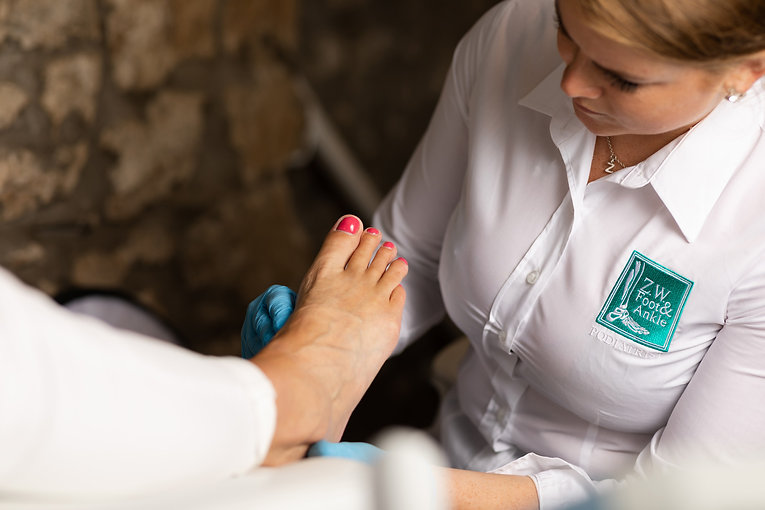 ZWFS-FOOT-FOOTCARE-ACTION-040.jpg