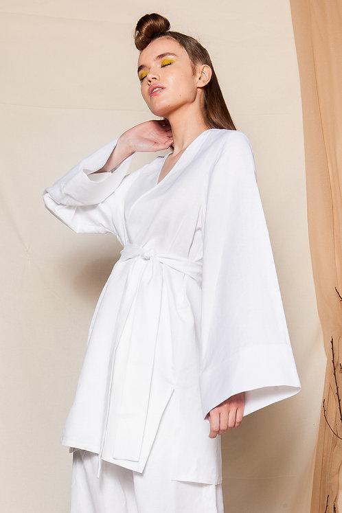 Serena white kimono