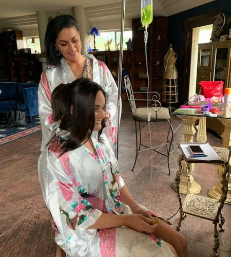 mobile-iv-therapy-at-a-wedding