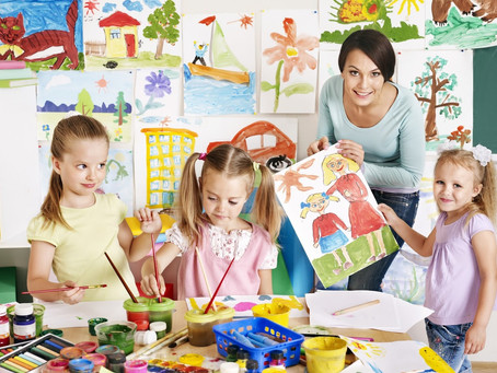 What Are the Benefits of Making Art With Your Child?