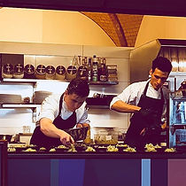 David Brambora Chefkoch 15 Jahre gehobene Gastronomie beim arbeiten Ernährungsplan