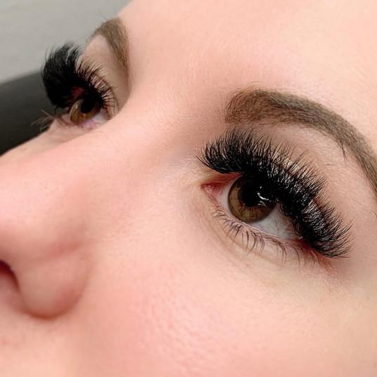 Mega Volume Eyelash Extensions