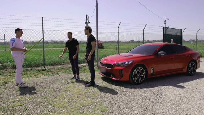 Wishlist-showlab-KIA-Motors-red-car