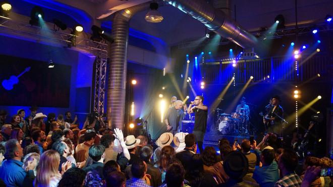 Un-palco-per-due-showlab