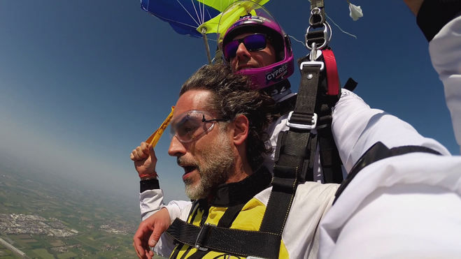 Wishlist-showlab-KIA-Motors-sky-diving