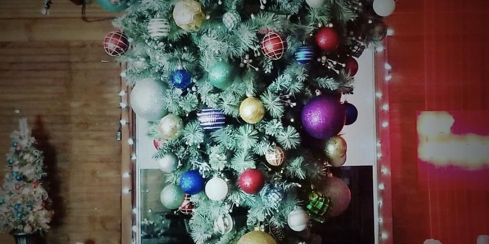 Tree Decorating and Quiz Night
