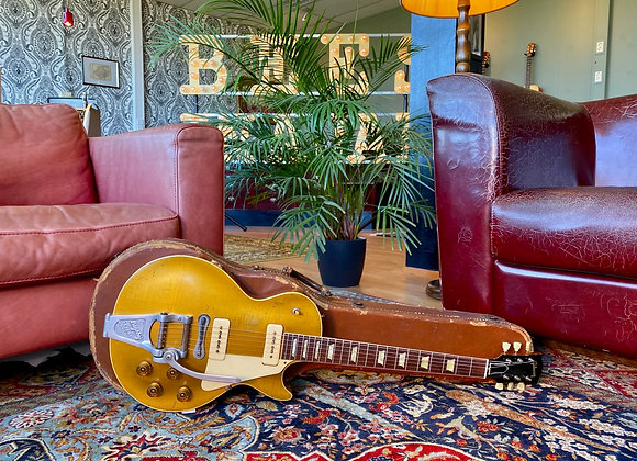 SOLD! - 1953 Gibson Les Paul Gold Top with Bigsby