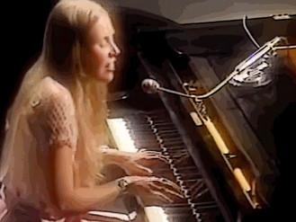 Joni Mitchell sings 'Woodstock'  (video, 1970)