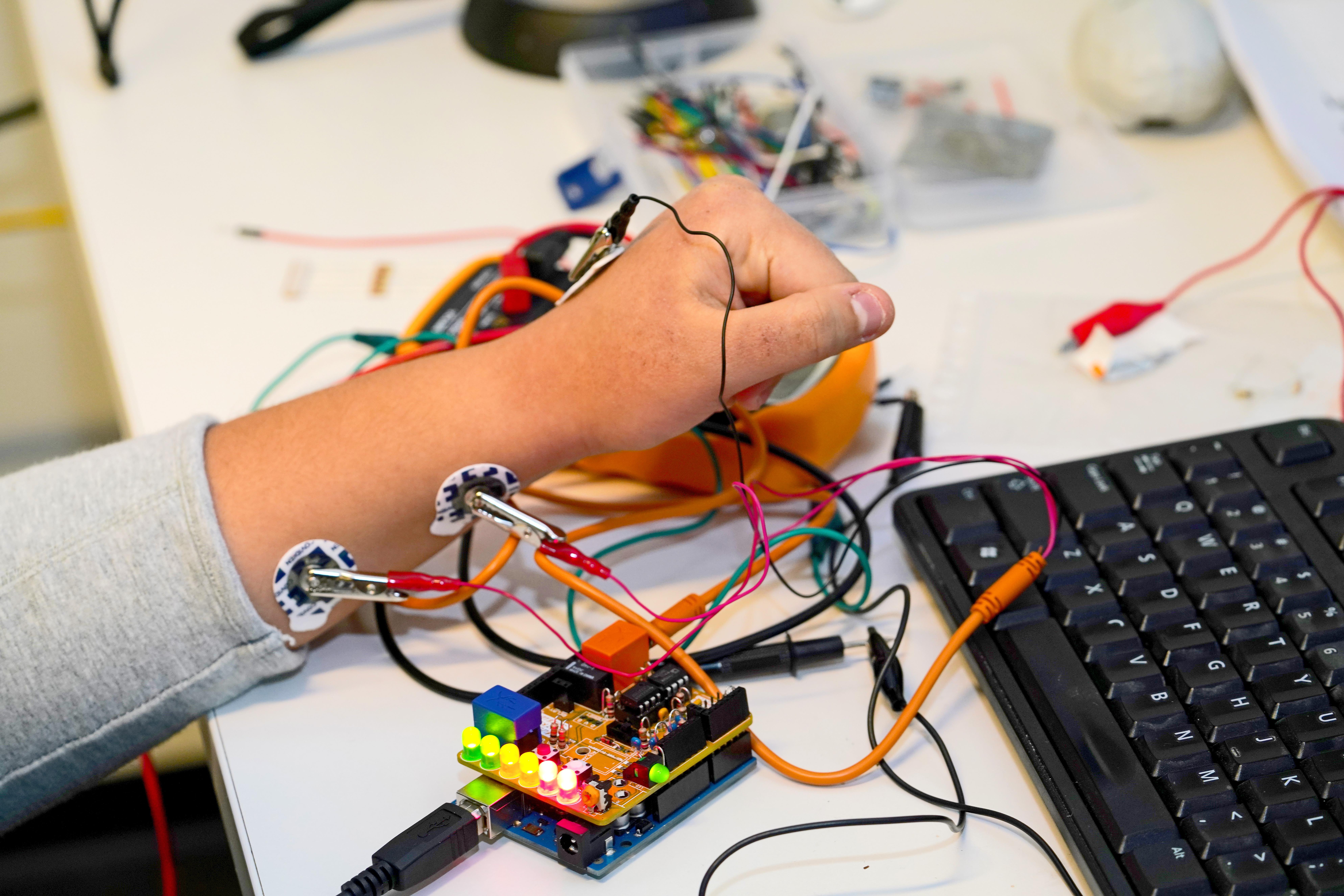 CNT Hackathon 2019 MRD08086