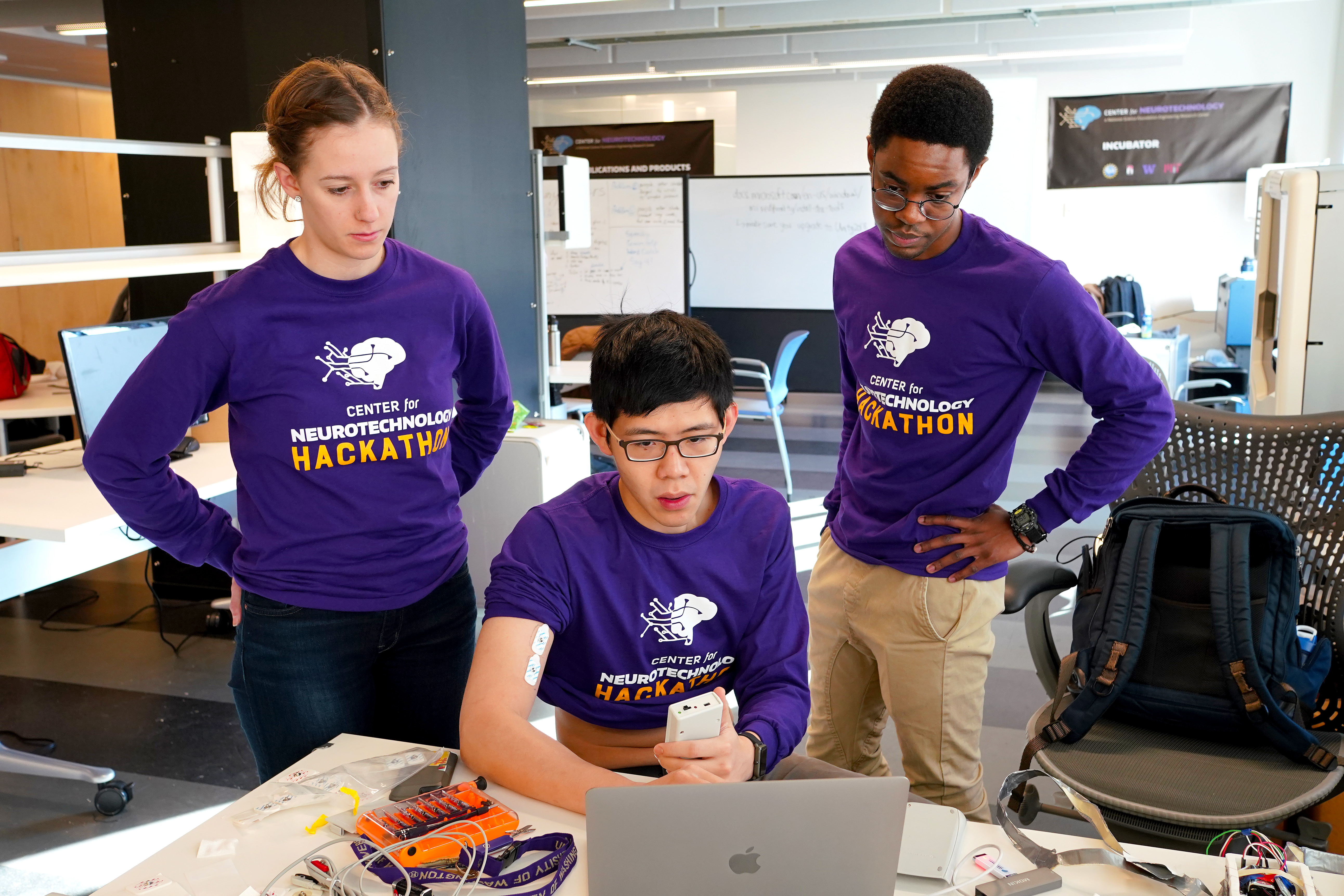 CNT Hackathon 2019 MRD08335