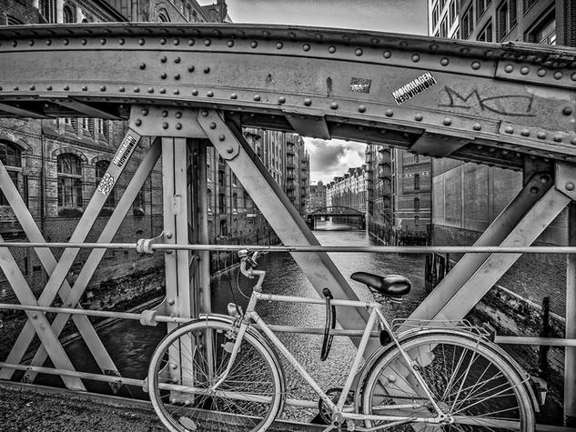 Hamburg_bike_BW.jpg