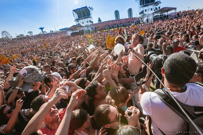 Cage The Elephant Lolla 2014.jpg
